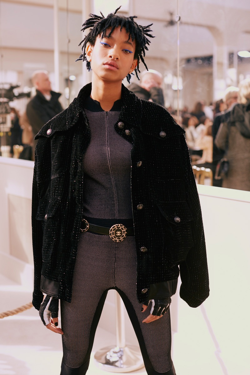 Willow Smith attends the fall-winter 2016 Chanel show during Paris Fashion Week. Photo: Lea Colombo / Chanel