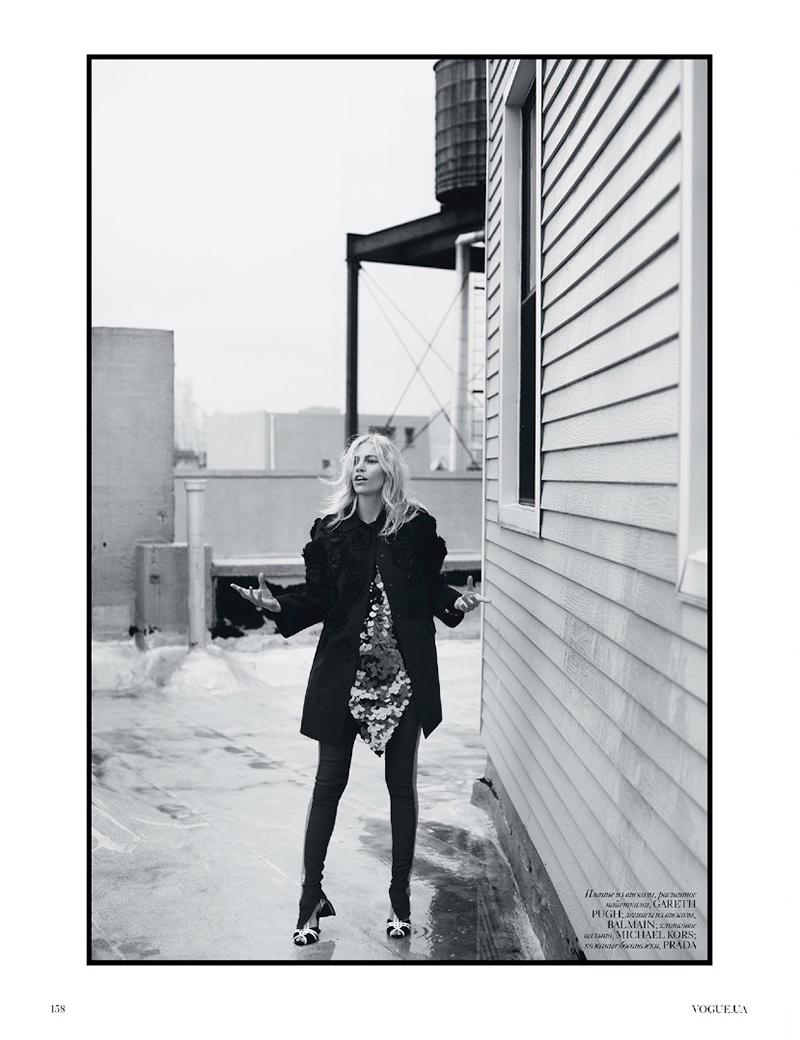 Aline Weber Wears Spring S Standout Jackets For Vogue Ukraine