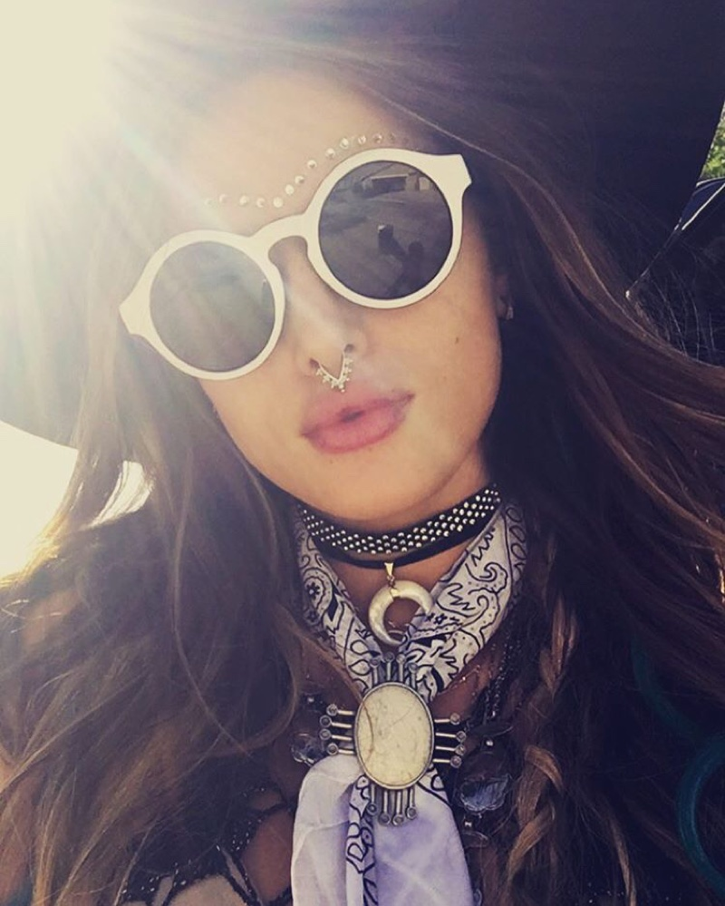 Bella Thorne wears face jewelry including a septum nose ring and studded details. Photo: Instagram/bellathorne