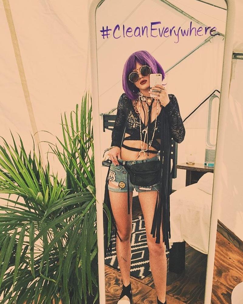 Bella Thorne wears a short purple wig at Coachella weekend 1. Photo: Instagram/bellathorne