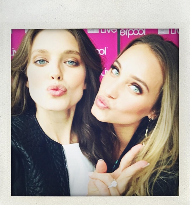 Emily DiDonato & Hannah Davis pose for a selfie at a Liverpool Mexico event. Photo: Instagram