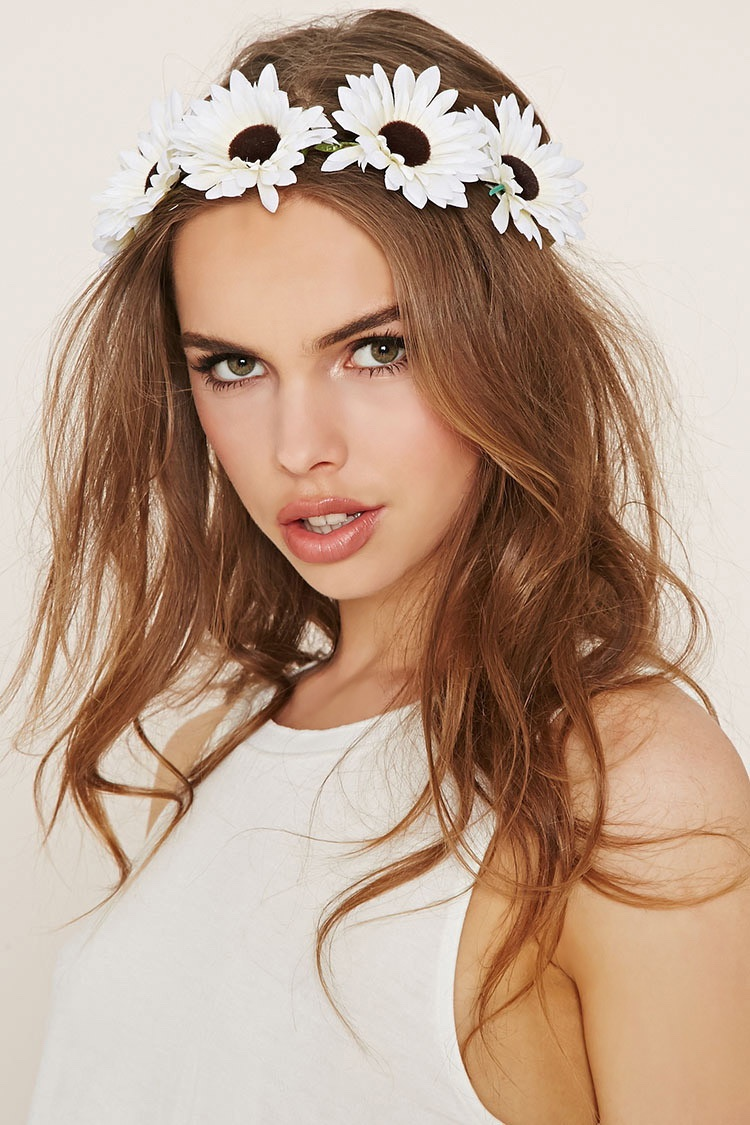 Festival queen 8 gorgeous flower crowns fashion gone rogue forever 21 daisy flower crown izmirmasajfo