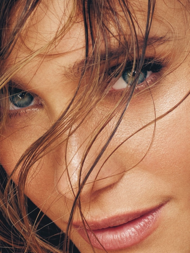 Hannah Davis stuns in this closeup shot showing her piercing blue eyes
