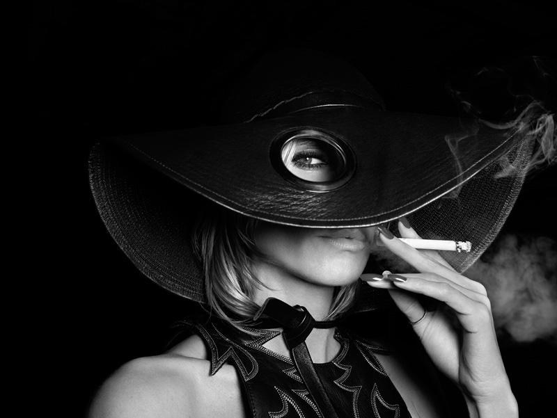 Heidi Klum smokes a cigarette for Hunger Magazine #10. Photo: Rankin