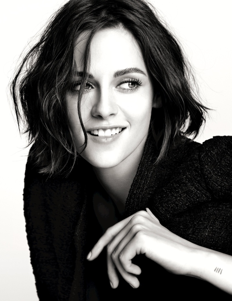 Kristen Stewart is all smiles in Chanel Eyes 2016 Makeup collection campaign