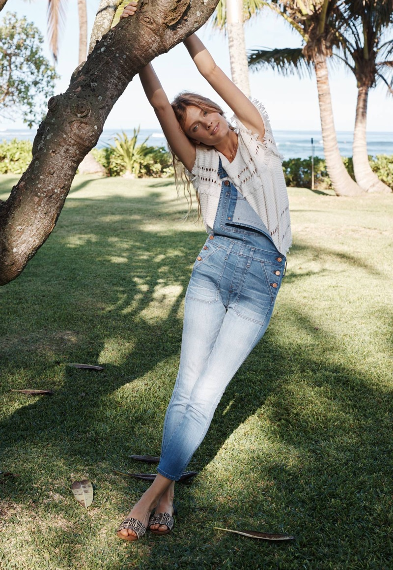 Madewell Skinny Crop Overalls in Hewitt Wash, Short Sleeve Fringe Sweater and Thea Sandal in Printed Calf Hair