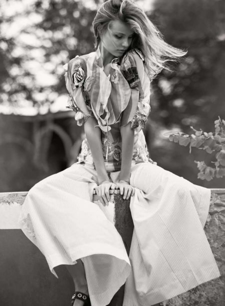 Magdalena Frackowiak Gives Vacation Vibes in ELLE France Editorial