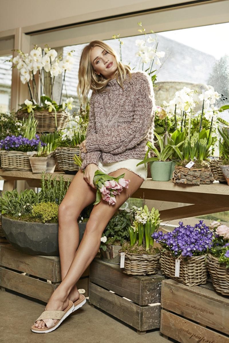 Rosie Huntington-Whiteley poses in UGG's Kari sandal