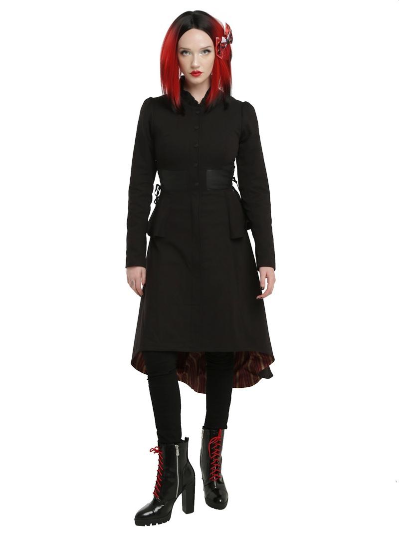 Alice Through the Looking Glass Red Heart Queen Battle Coat