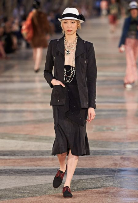 Chanel Brings Cuban Flair to Cruise 2017 Collection