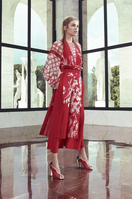 Fendi Turns Up the Graphics for Resort 2017