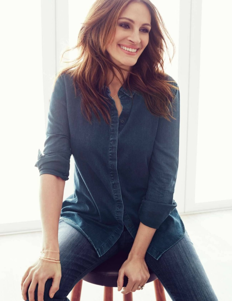 Julia Roberts wears a denim top and pants for this casual outfit