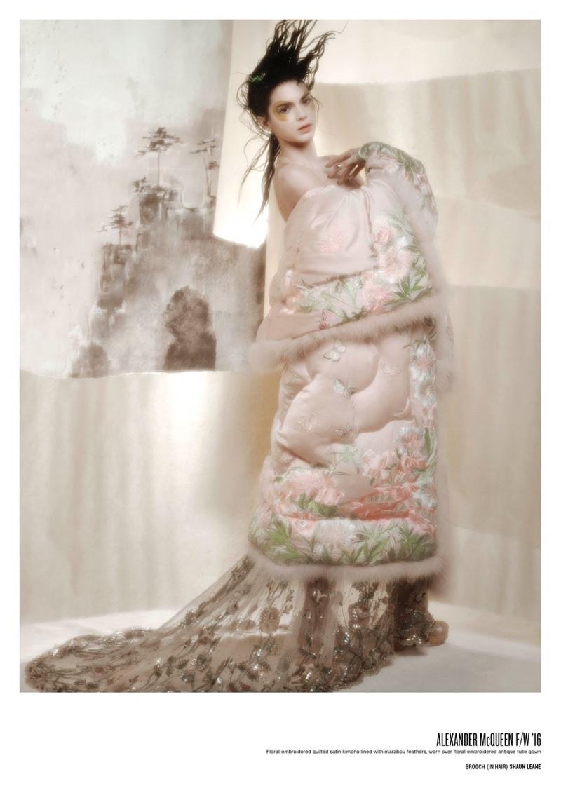 Kendall jenner v magazine 101 photoshoot for Haute couture photoshoot