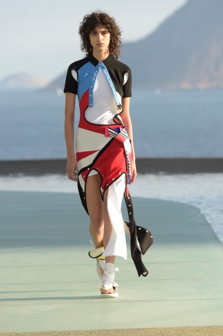 Louis Vuitton's Resort 2017 Show Takes Brazil