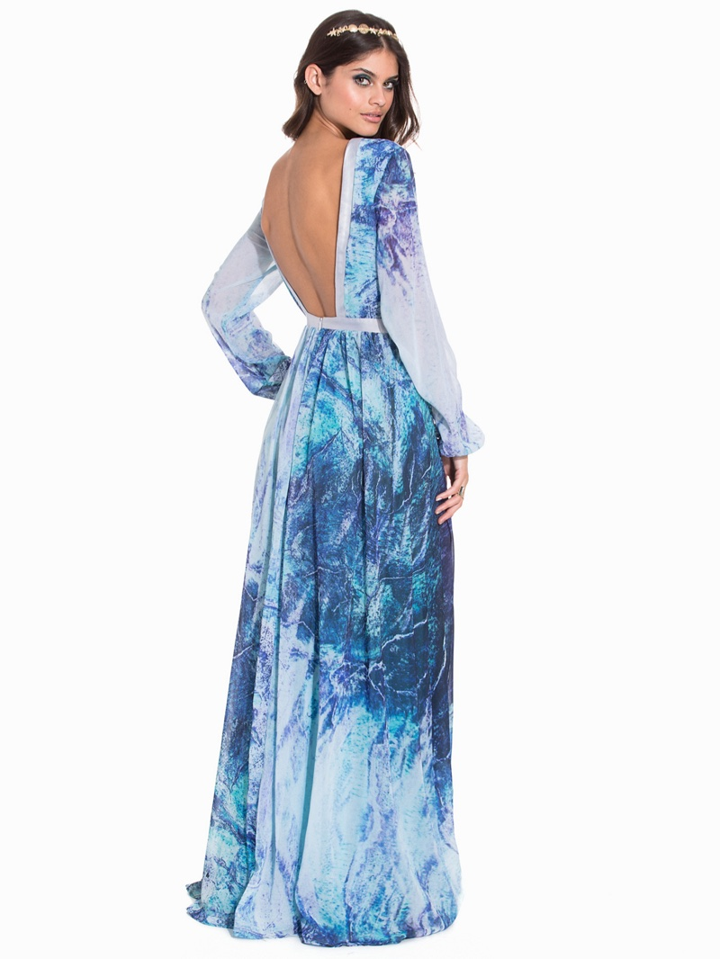 Nelly Floating Form Gown