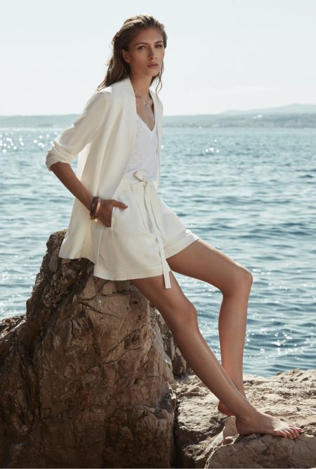 REISS Shows How to Dress for the Ultimate Summer Getaway