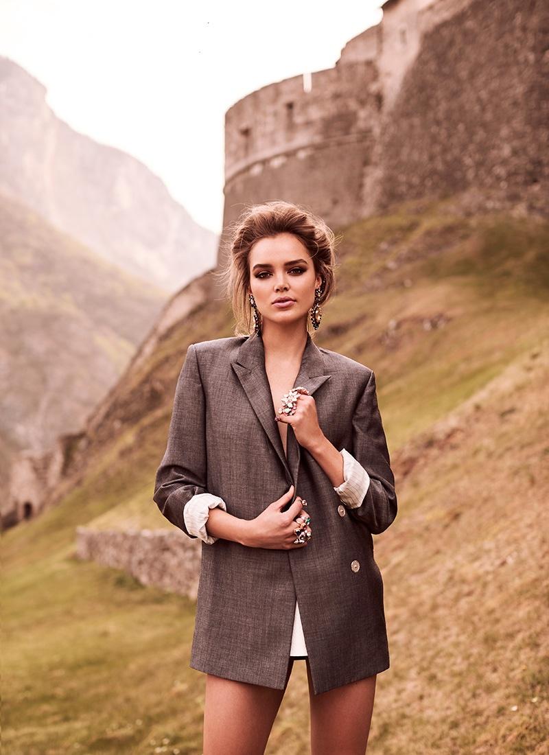 Zo Nowak wears an oversized blazer
