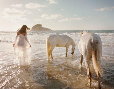 Amanda Wellsh Wears Vacation-Ready Looks for The Edit