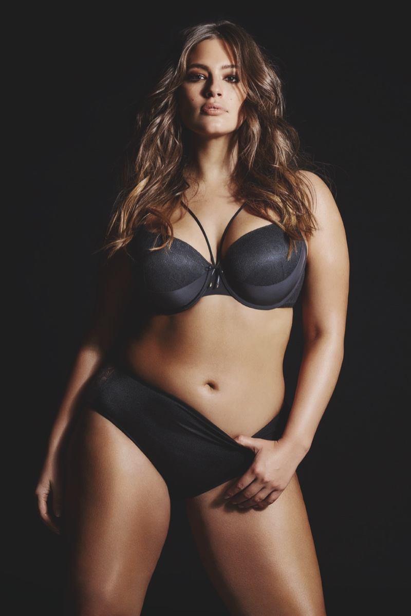Ashley Graham models Addition Elle fall 2016 Essentials collection