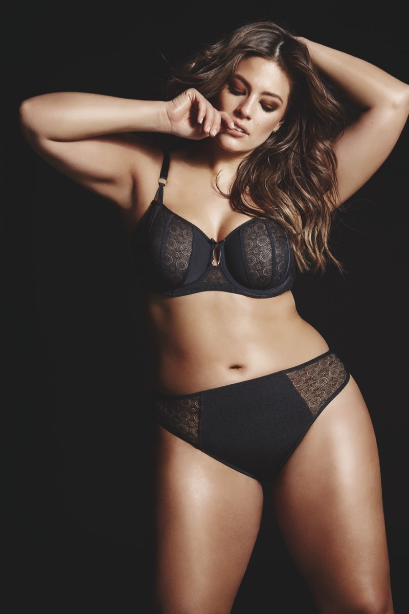 Ashley Graham Addition ELLE Subway 2016 Campaign