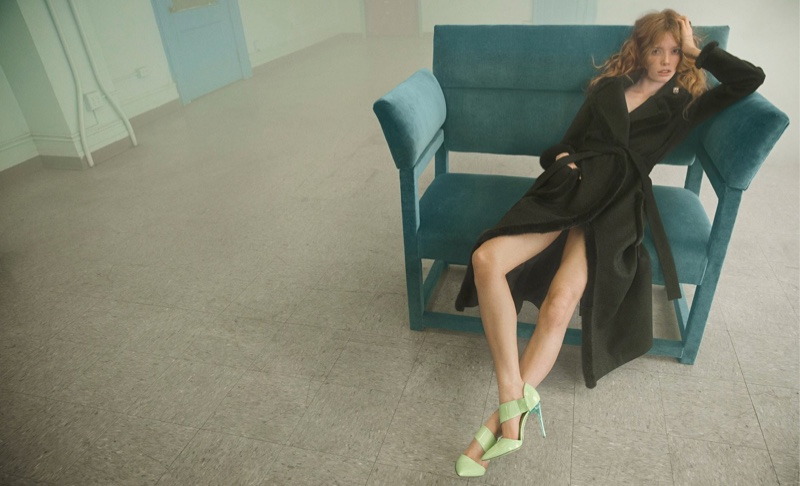 Blumarine features black trench coat in fall-winter 2016 campaign