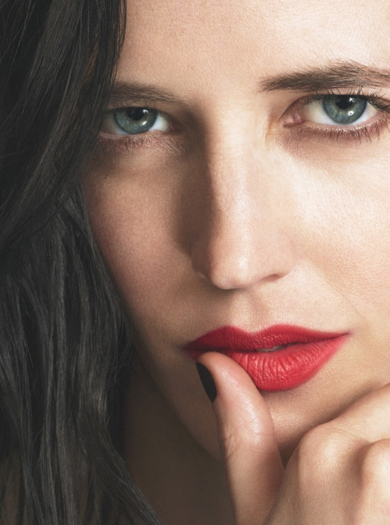 Eva Green wears a bold red lipstick color