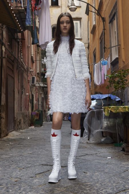 Givenchy's Resort 2017 Line Heads to Naples