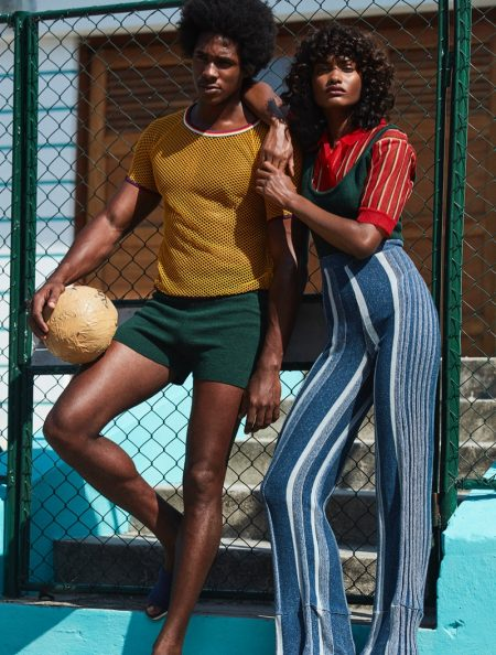 Melodie Monrose Sports Laid-Back Fashion in Stylist France