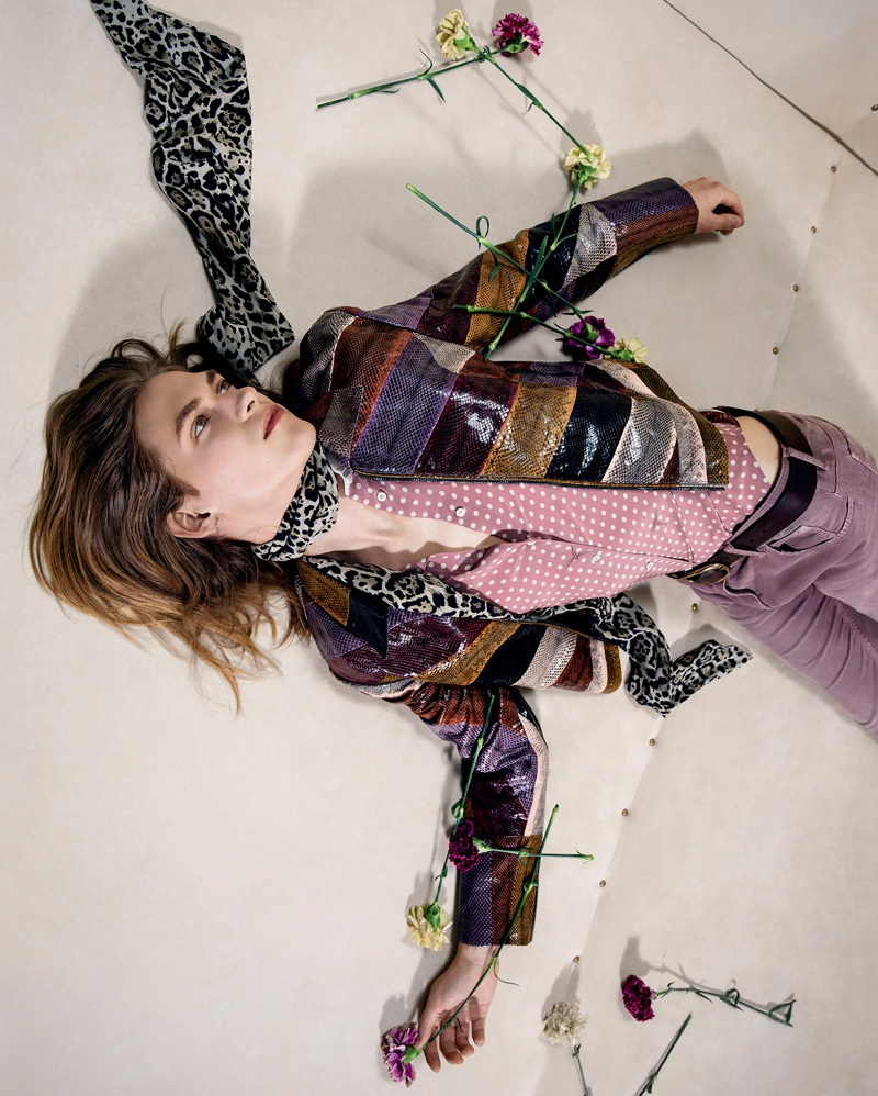 70's fashion gets revived in Roberto Cavalli's fall-winter 2016 campaign