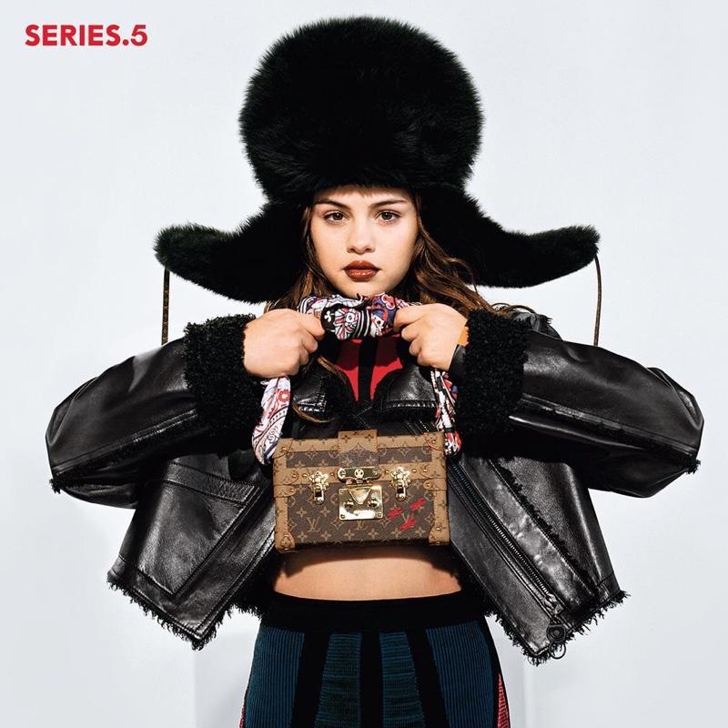 Selena Gomez - Página 2 Selena-Gomez-Louis-Vuitton-Fall-2016-Campaign