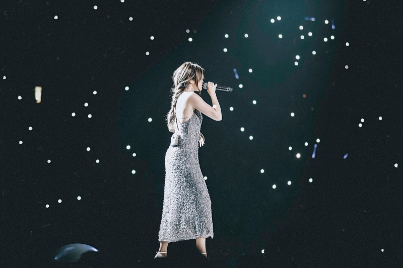 Selena Gomez wears sequin embroidered Giorgio Armani dress on Revival tour