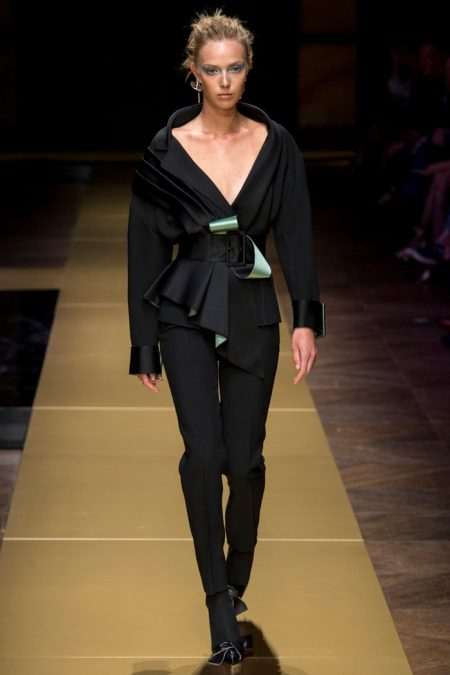 Atelier Versace Does Sensual Draping for Fall 2016