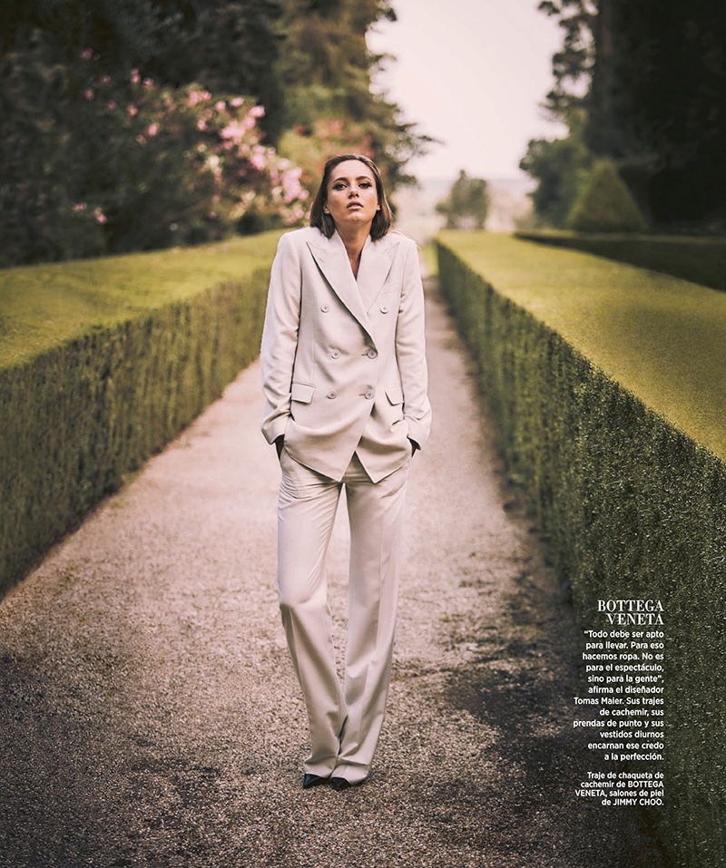Karmen Pedaru suits up in Bottega Veneta jacket and trousers