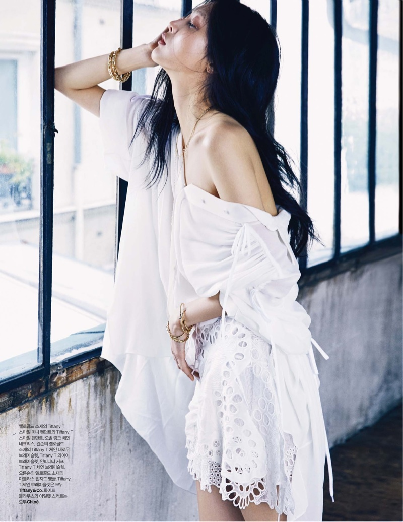 Sunghee Kim wears all white Chloe look