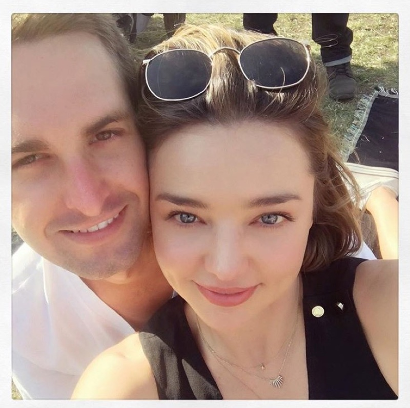 Miranda Kerr is Engaged! See Her Diamond Ring