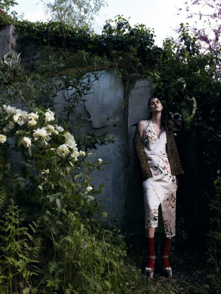 Vanessa Moody Poses in Dramatic Fall Prints for Vogue China