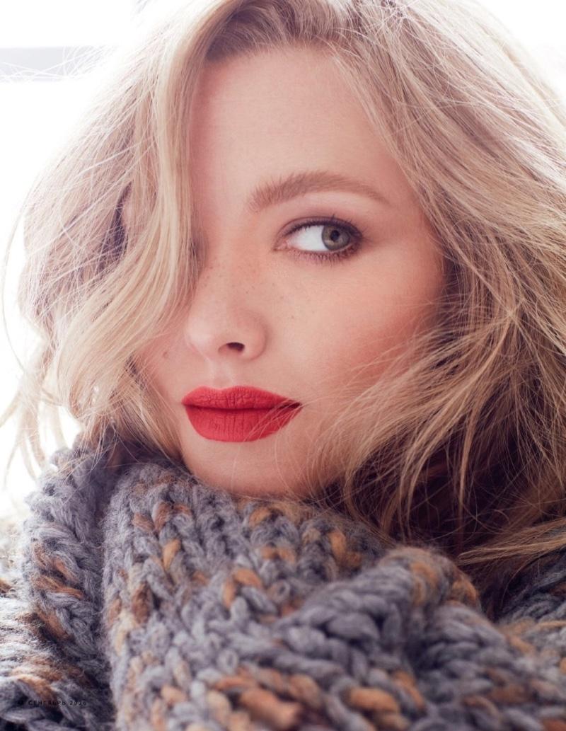 Amanda Seyfried Poses in Lounge-Worthy Looks for Vogue Russia Amanda Seyfried