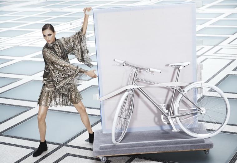 Anja Rubik models Roberto Cavalli tiered lace dress