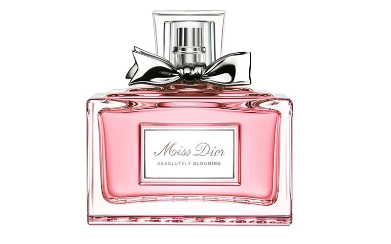 miss dior 39 absolutely blooming 39 perfume campaign. Black Bedroom Furniture Sets. Home Design Ideas