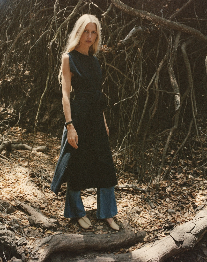 Kirsty Hume layers up in long tunic and pants from Dôen