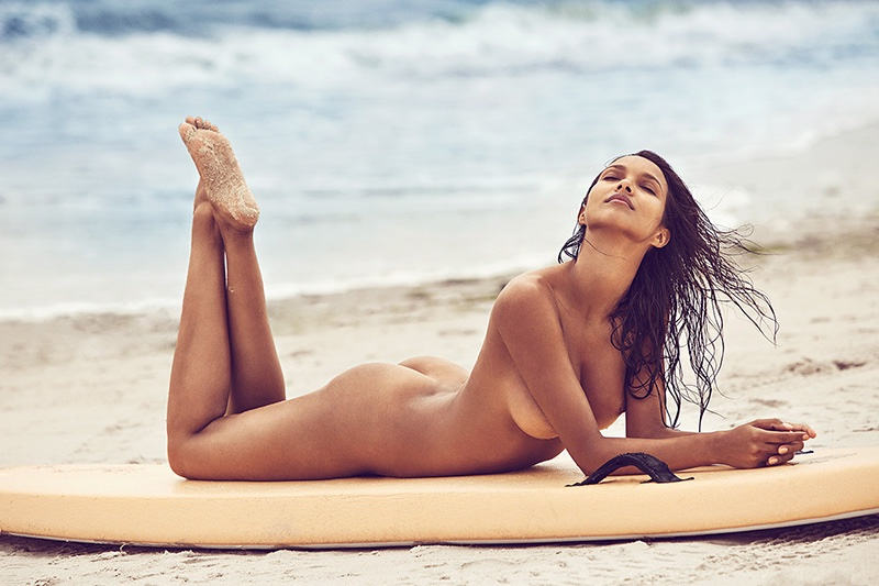 Lais Ribeiro flaunts her curves in a naked beach shot