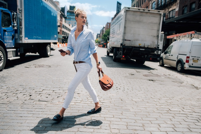Nina Agdal takes a stroll with Michael Kors Isadore Satchel Bag