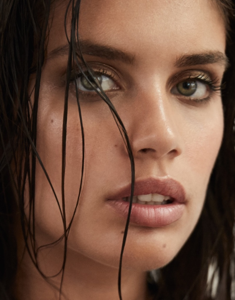 Model Sara Sampaio stuns in this closeup shot