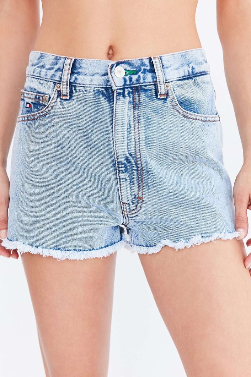Tommy Jeans x UO 90's Classic Denim Shorts