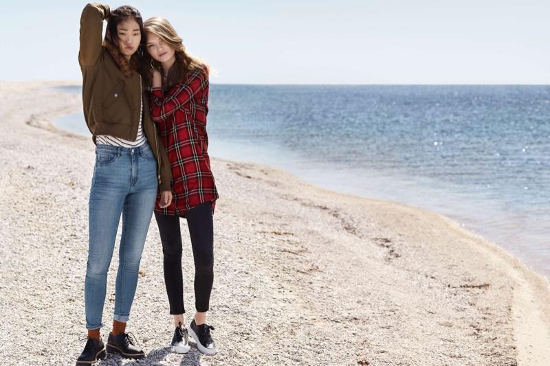(Left) H&M Pilot Jacket with Fur Collar, Jersey T-Shirt, High Waist Slim-fit Pants and Platform Shoes (Right) Plaid Flannel Shirt, High-Waist Slim Fit Pants and Platform Sneakers