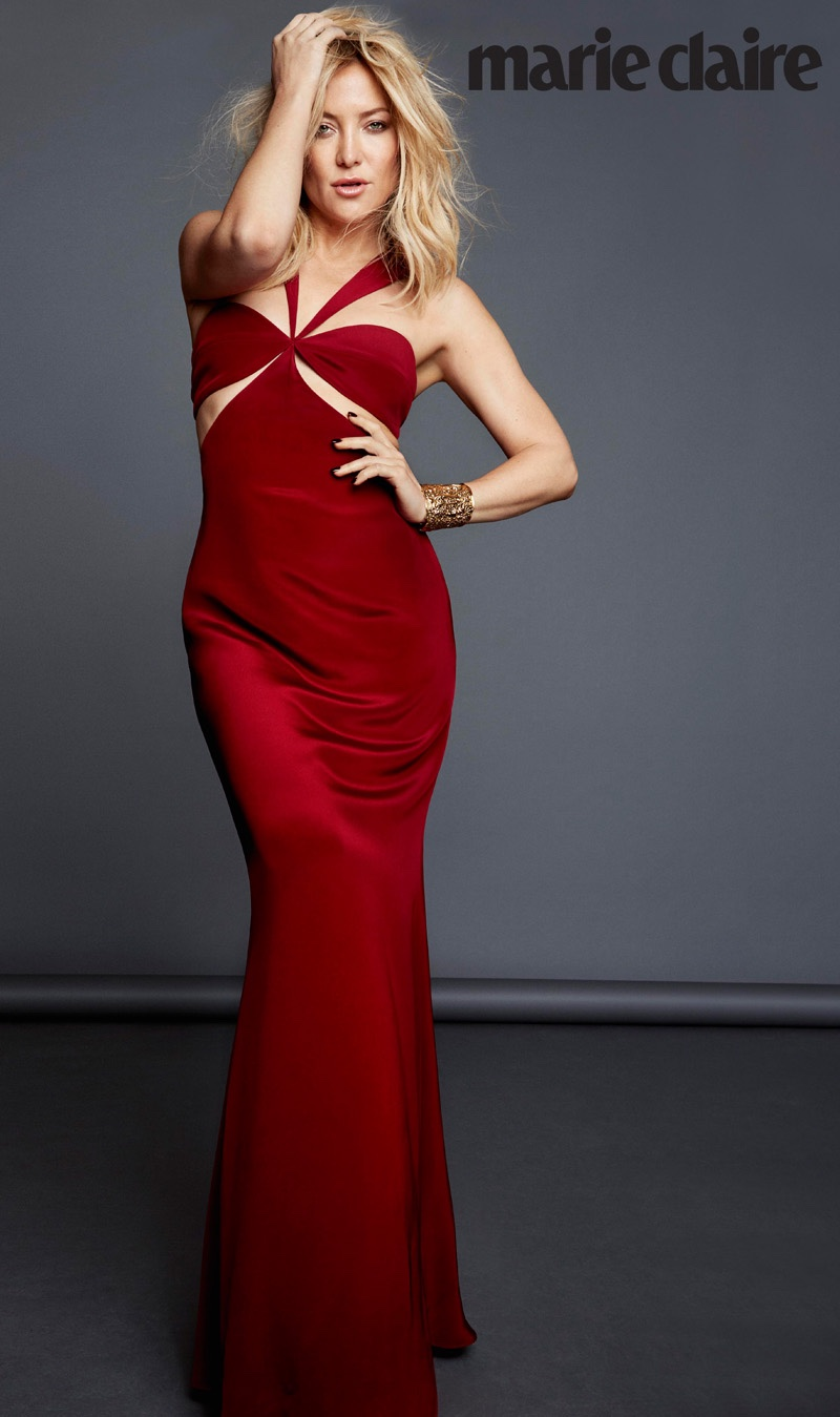 Kate Hudson wears sexy red gown with cutouts