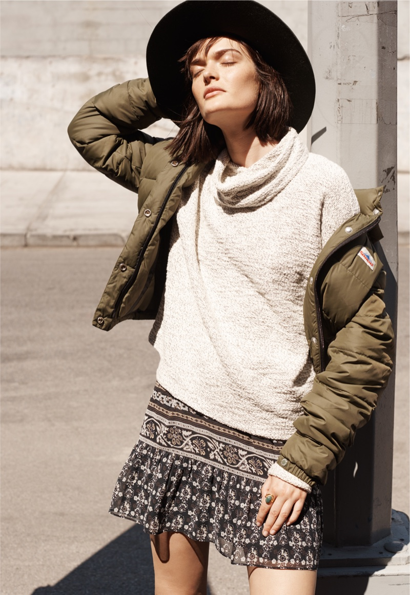 Brixton Dallas Hat, Penfield Millis Down Jacket, Madewell Marled Pullover Top and Madewell Artisan Floral Mini Skirt