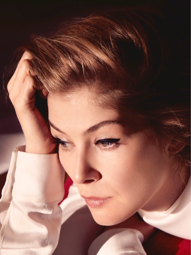 Actress Rosamund Pike gets her closeup in Dior