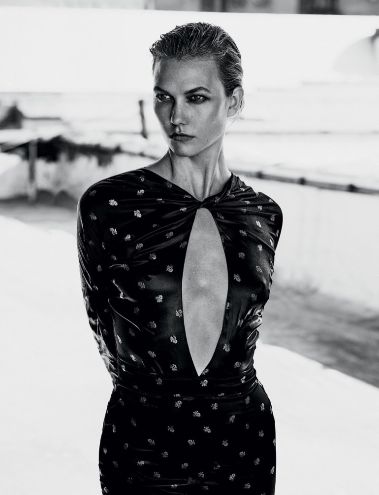 Karlie Kloss flaunts some skin in dress with cutout