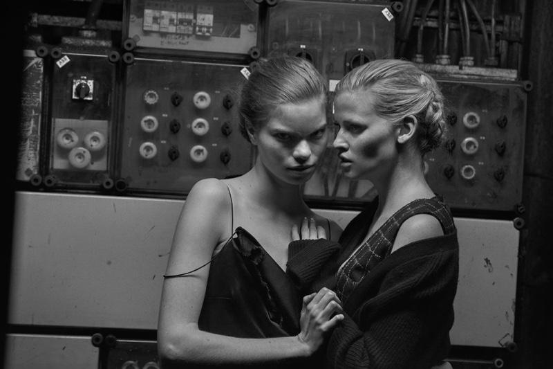 Elisa Hupkes and Lara Stone pose together for Vogue Netherlands